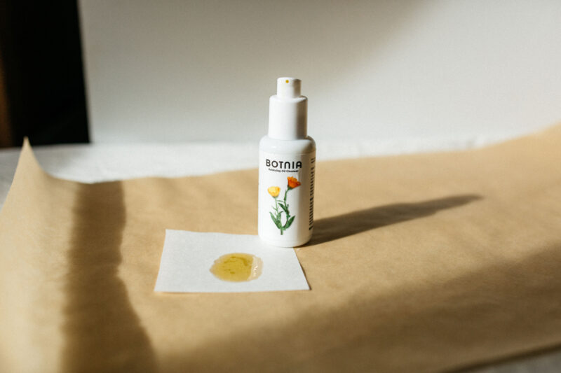 Balancing oil cleanser texture